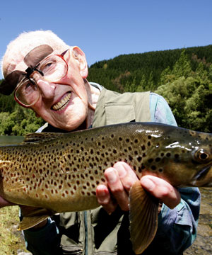 Copyright 2008 MARTIN DE RUYTER/Nelson Mail. ALL THAT GLISTERS IS NOT OLD: Eric King-Turner, 103, with a glistening brown 